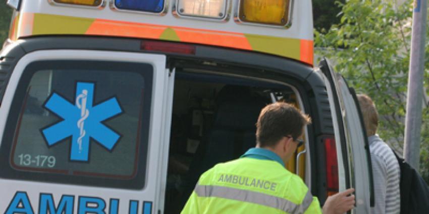Motorrijder (16) laat gewonde motorrijder (28) in sloot liggen na botsing