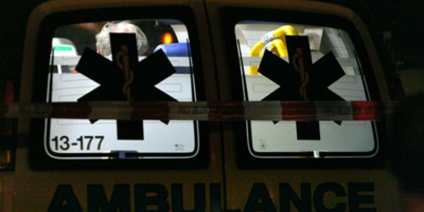 Verwarde man steelt ambulance en rijdt met zwaailicht over snelweg