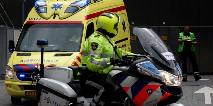 ambulance-politiemotor-evacuatie-ziekenhuis