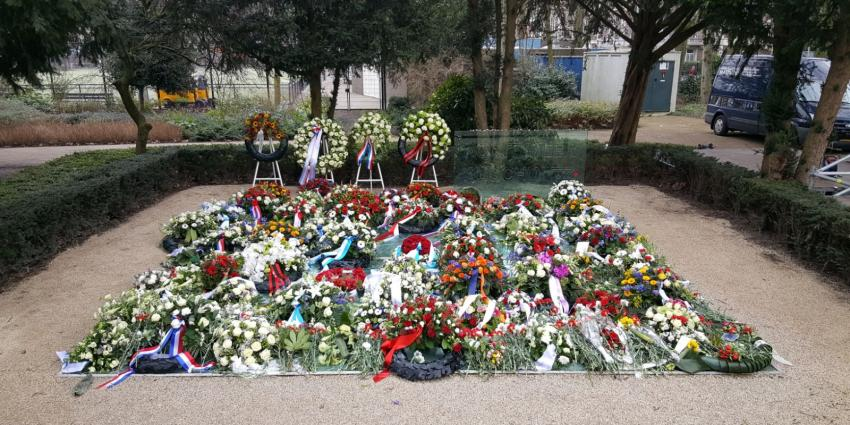 Holocaust herdacht bij Spiegelmonument in Amsterdam