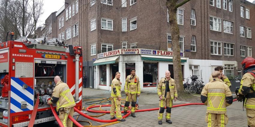 Snackbar in Van Woustraat in vlammen opgegaan