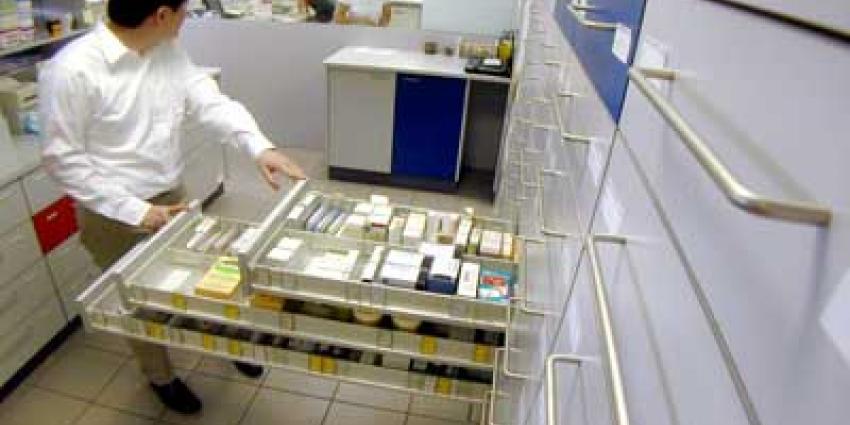 Foto van apotheker met medicijnen | Archief EHF