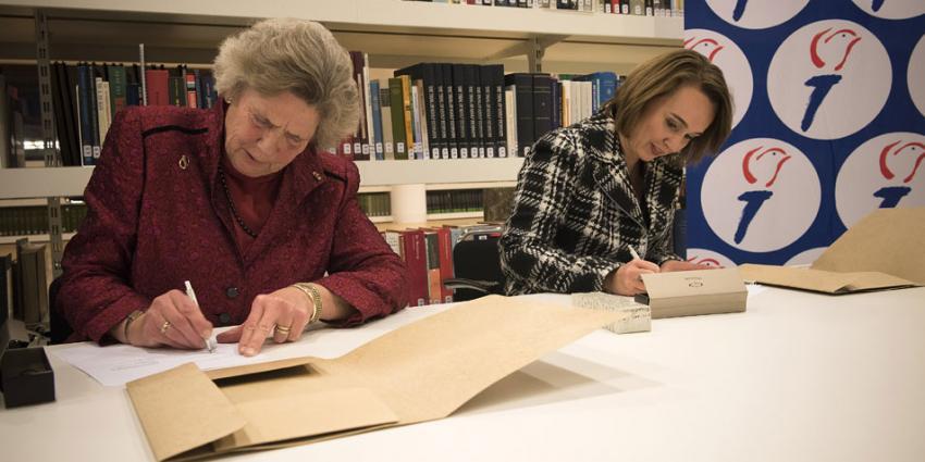 Nationaal Comité 4 en 5 mei draagt archief over Den Haag