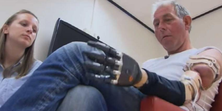 Radboudumc sluit eerste armklikprothese aan op zenuwen