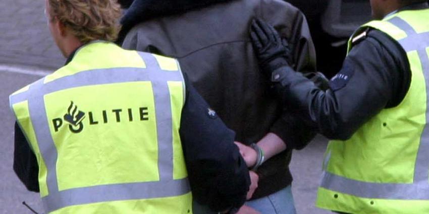 Foto van arrestatie verdachte door politie | Archief EHF