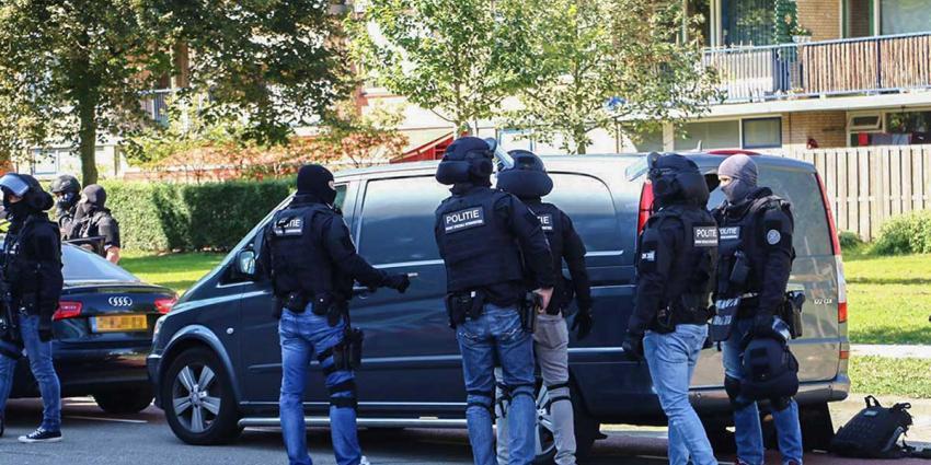 ontvoerde vrouw, politie, bevrijden, zes verdachten, vast