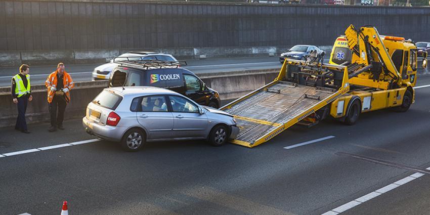 Foto van aanrijding op snelweg | Sander van Gils | www.persburosandervangils.nl