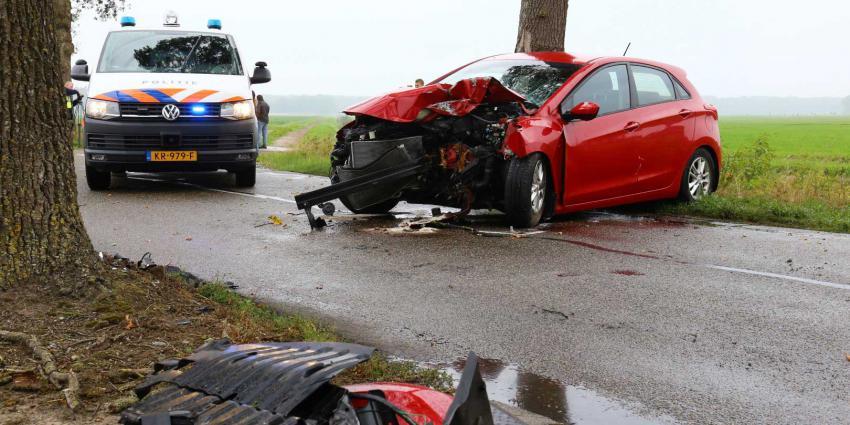 Automobilist bekneld na ernstige aanrijding bij Zwiggelte
