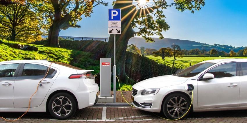 Sterke stijging aantal volledig elektrische auto's