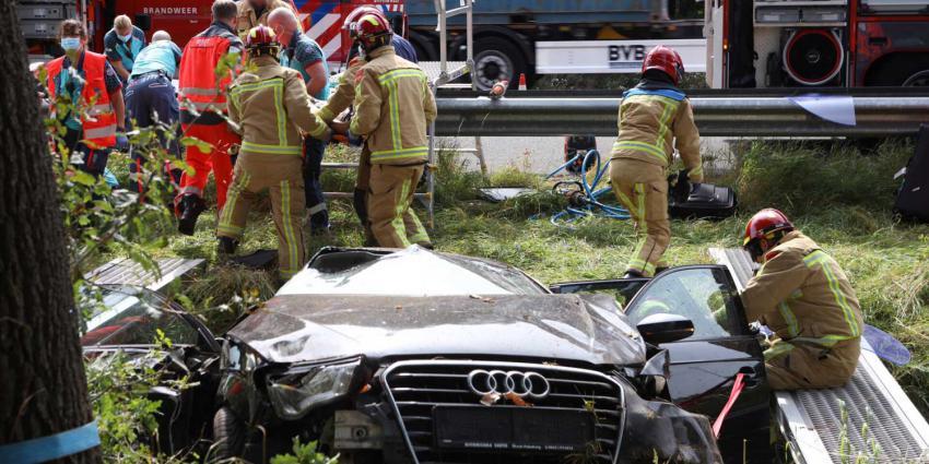 auto-hulpverlening-greppel-snelweg