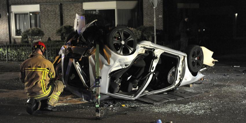 Foto van auto na ongeval | Paul Groeneveld | www.fotopersbureau.eu