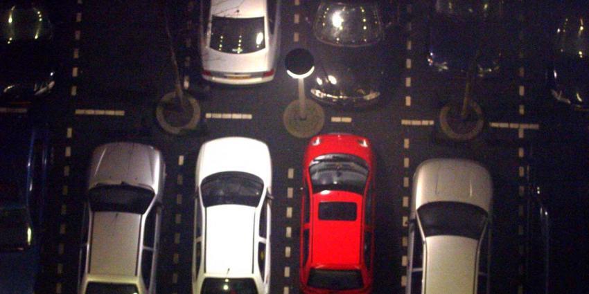 auto-parkeerplaats-donker