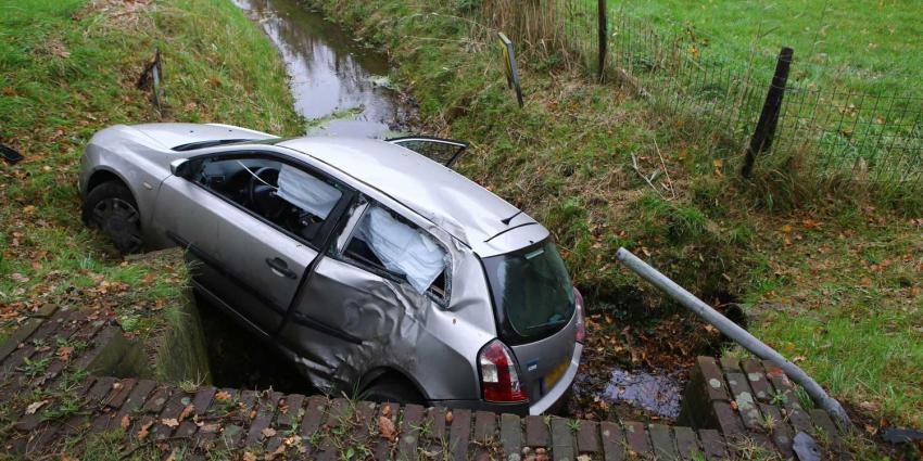 Bestuurder verlaat plaats ongeval in Gemonde