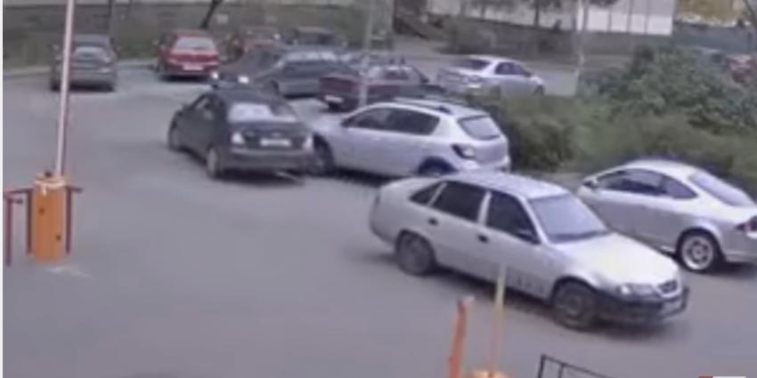 Hoe je een auto vooral niet moet slepen