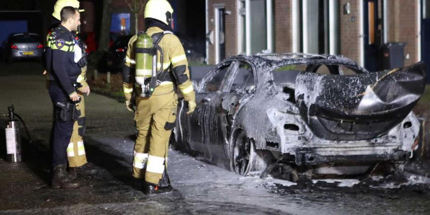 auto-uitgebrande-mercedes