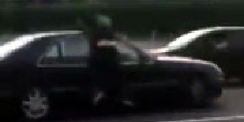 Man op auto door Utrecht meegesleurd na verkeersruzie