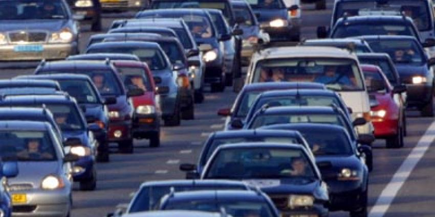 Groot ongeval op A2 bij Maarssen, weg bij Maarssen dicht