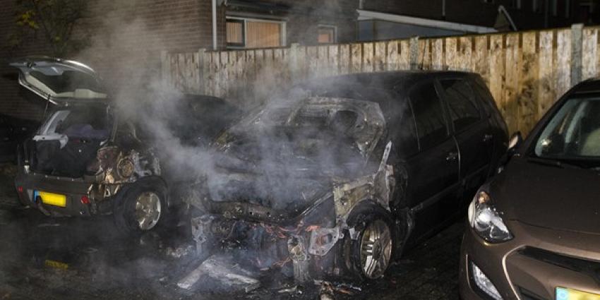 Vier auto's in IJsselstein uitgebrand