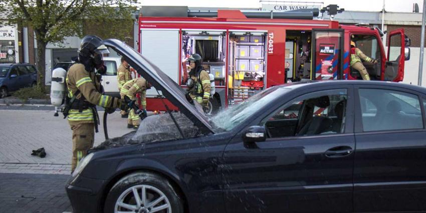 Brand onder de motorkap
