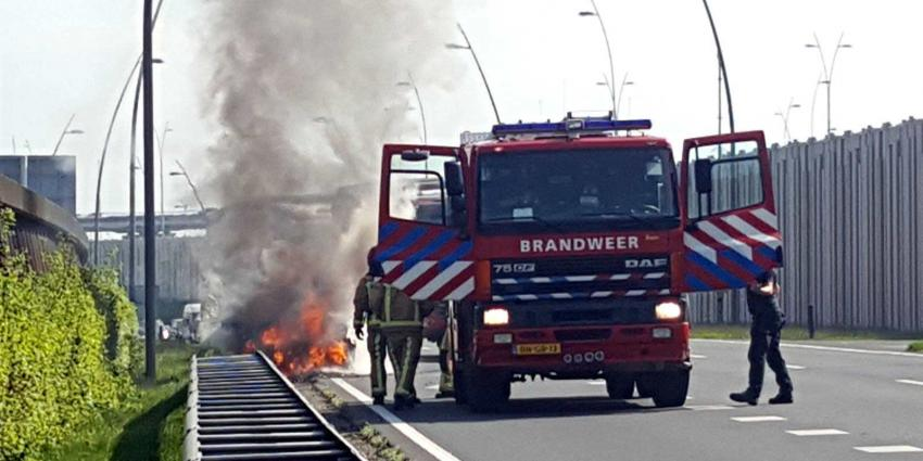 Auto brand af op N2 bij Veldhoven-Zuid