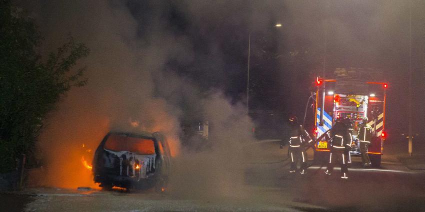 Auto in vlammen op in Best