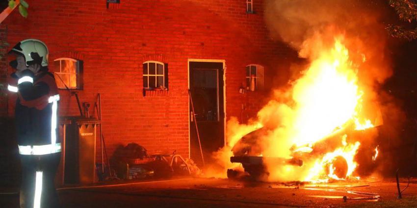 Auto in vlammen op in Gieten