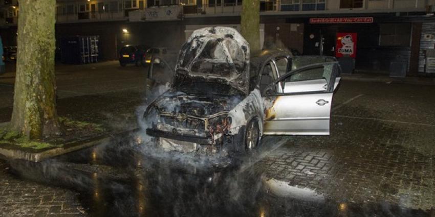 Auto in brand op parkeerplaats Schiedam