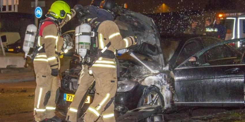 Autobrand op industrieterrein Schiedam