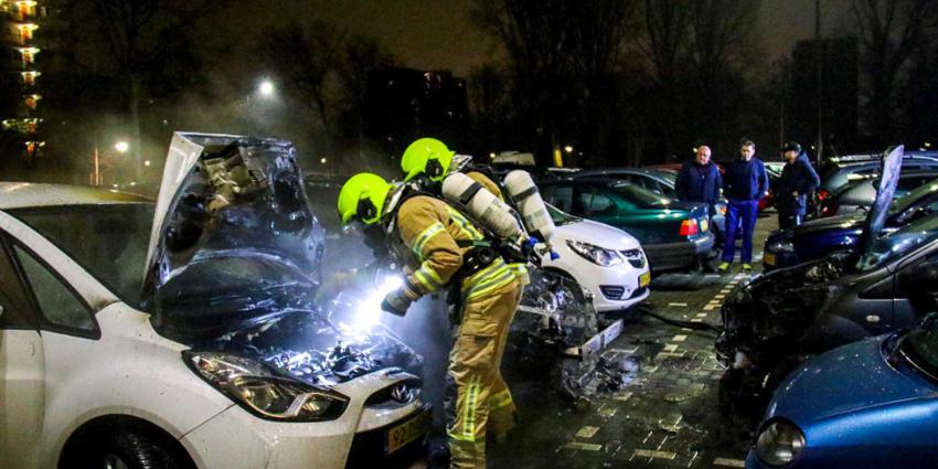 Vijf auto's beschadigd na brand Londenweg Vlaardingen