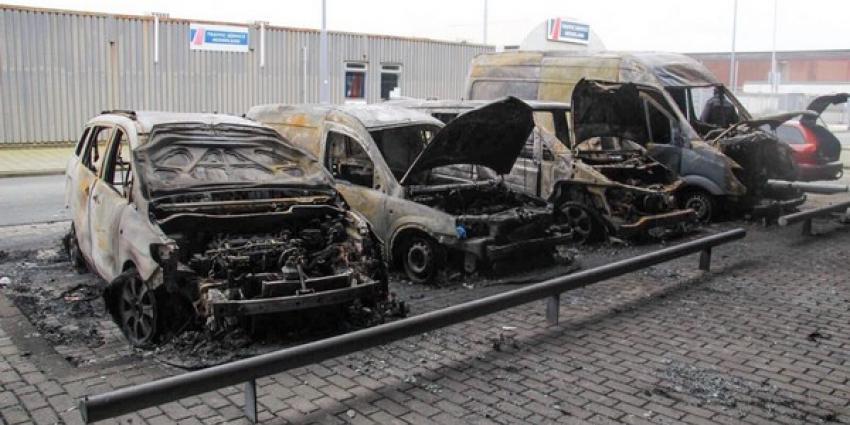 Vijf auto's uitgebrand in Rotterdam