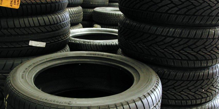 Weer tientallen autobanden lekgestoken in Monster