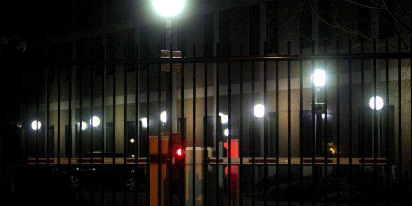 Dronken in pand opgesloten inbreker belt zelf 112