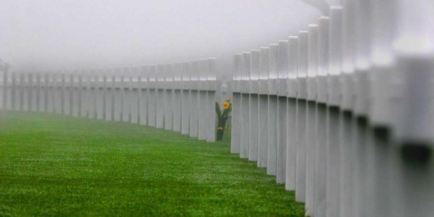 Duizenden belangstellenden eren gesneuvelde VS-militairen Margraten