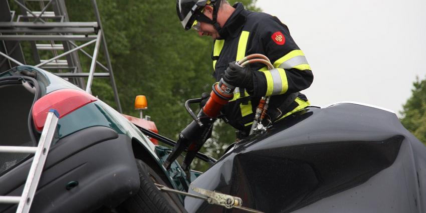 Foto van brandweer beknelling | Archief Flashphoto.nl | www.flashphoto.nl