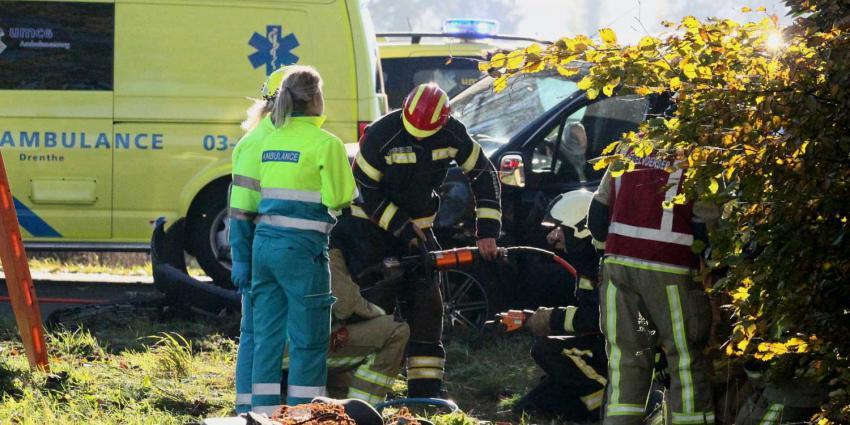 Automobilist bekneld na zwaar ongeval Exloërveen