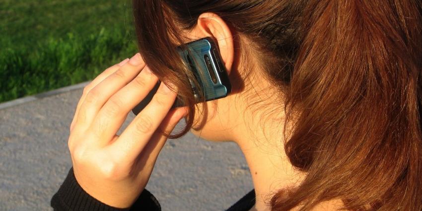 vrouw aan het bellen / Foto ter illustratie