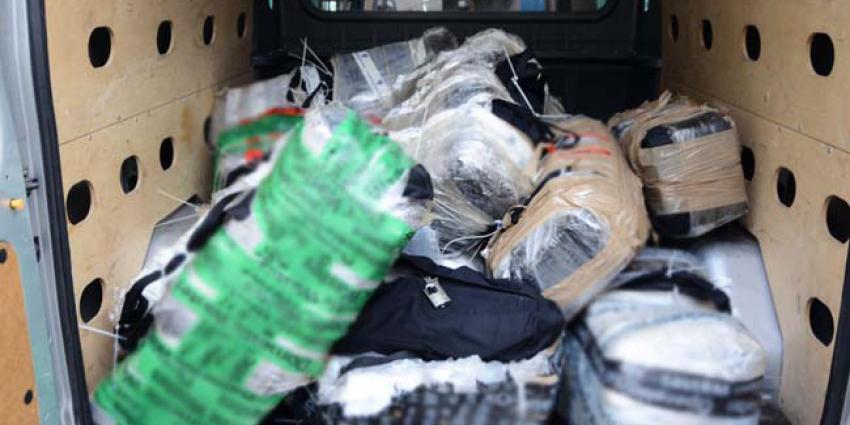 794 kilo cocaïne onderschept in haven Den Helder