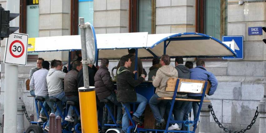 Amsterdam mag overlastgevende bierfiets uit centrum weren