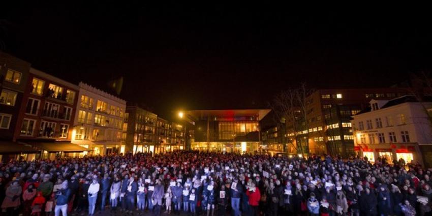 Indrukwekkende demonstratie op Wilhelminaplein Leeuwarden voor solidariteit en vrijheid