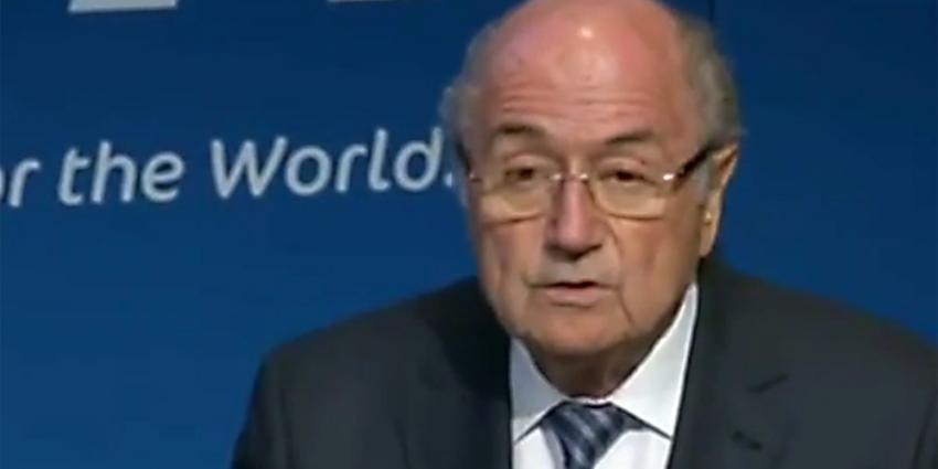 Komiek bezorgt Blatter bijna een hartverzakking