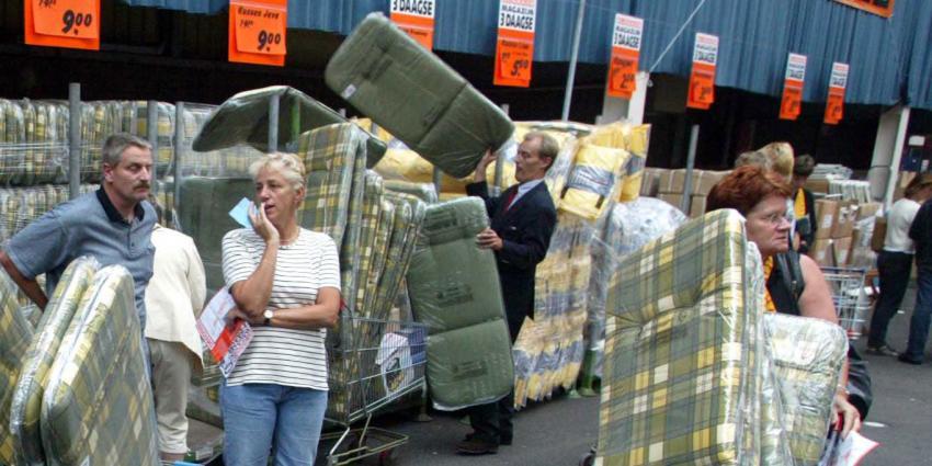 Blokker en vakorganisaties bereiken akkoord over sociaal plan