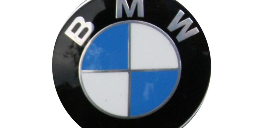 BMW waarschuwt consumenten voor verstikken in BMW-logo