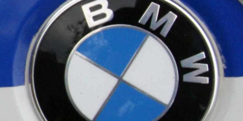Testrijder BMW crasht met prototype, schoonmoeder overlijdt