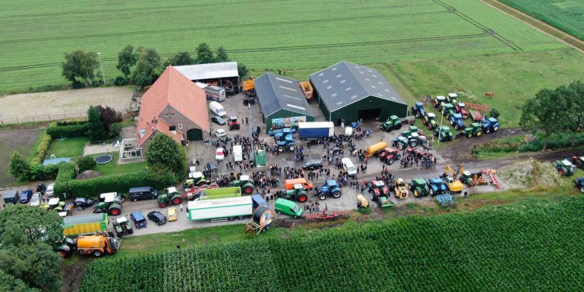 boerderij-luchtfoto-trekkers