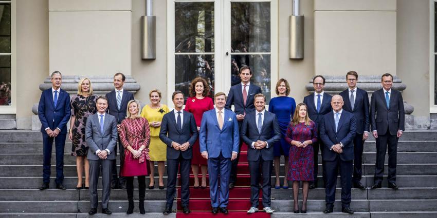 Nieuwe kabinet-Rutte III beëdigd