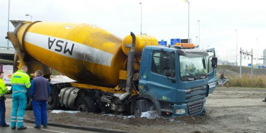 foto van aanrijding vrachtauto's | Miranda van der Sloot