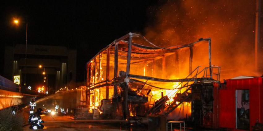 botlekbrug, dicht, brand, bouwkeet