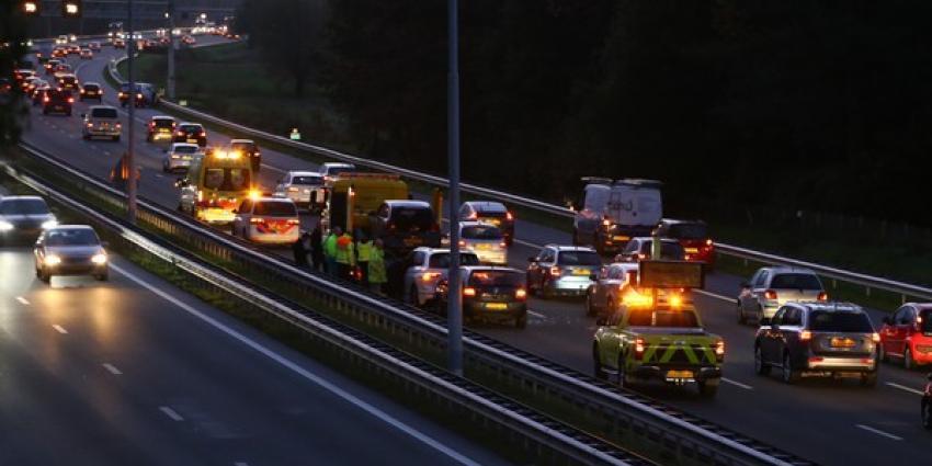 Vijf personenauto's betrokken bij botsingen op A2