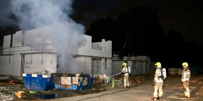 Flinke brand in container op bouwplaats