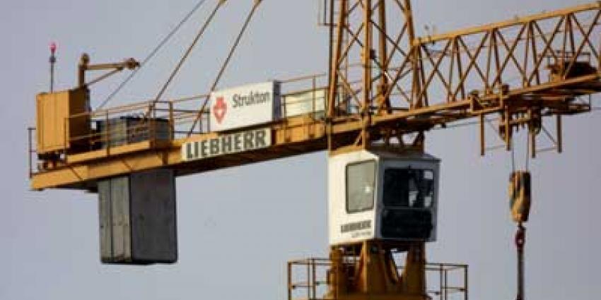 Dronken stelletje kiest 'vrijlocatie' in 30 meter hoge hijskraan
